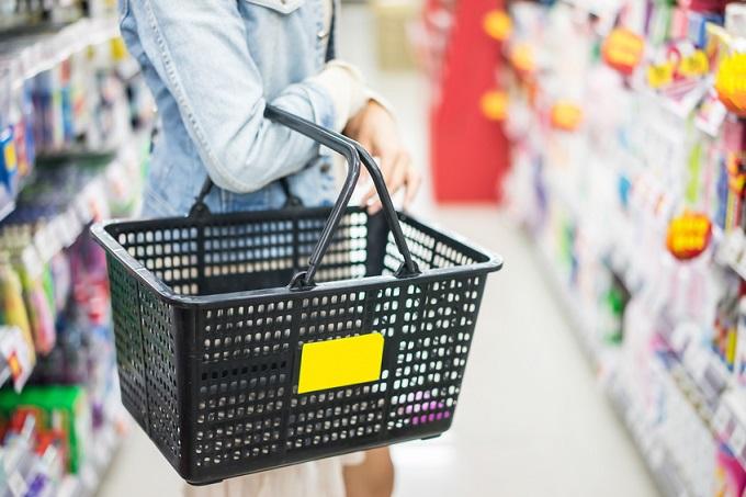 Liderzy rynku dyskontowego powiększają liczbę oferowanych towarów i ich jakości