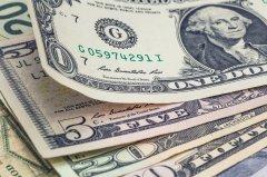 Wkrótce dolar może kosztować 4,45 zł. Europę czeka kolejny wstrząs?