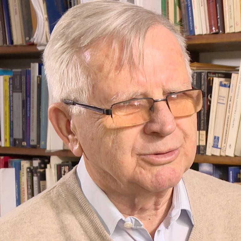 prof. Antoni Kamiński