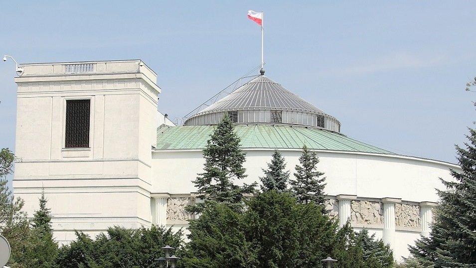 Średnie miasta w Polsce stoją na skraju przepaści. Mają im pomóc miliardy z rządowego pakietu pomocowego