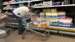 Branża: W Polsce na mleku nie da się zarobić. Sieci handlowe wymuszają niskie ceny na producentach
