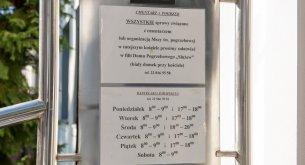 Badanie: Poważne rozbieżności w cennikach kościelnych. Co łaska, czyli ile konkretnie?