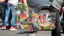 Polacy więcej zapłacą za kolację wigilijną. Większość produktów mocno poszła w górę – niektóre nawet o 50%