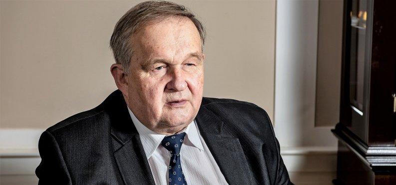 Dr Faliński: Zakaz handlu w niedziele zostanie utrzymany. Od opinii publicznej ważniejsze są cele związkowców