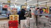 Zakaz handlu rozładował przedświąteczne kolejki. Kasjerzy: Nie obserwujemy większego ruchu