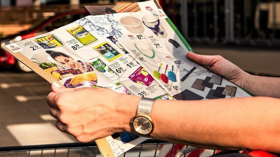 Analiza: Zakaz handlu w niedziele wywraca rynek gazetek promocyjnych. Sieci muszą się dostosować