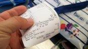 BADANIE: Polacy mocno podzieleni w kwestii zabierania paragonów po dokonaniu transakcji w sklepie
