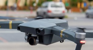 Branża ochroniarska szuka oszczędności, bo koszty od lat stale rosną. Z pomocą przylecą drony