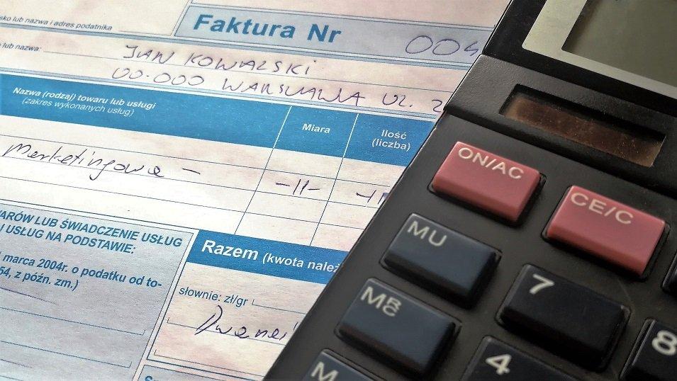 Polacy coraz mniej akceptują kupowanie tzw. kosztów na firmę. Eksperci: Proceder będzie powoli znikał