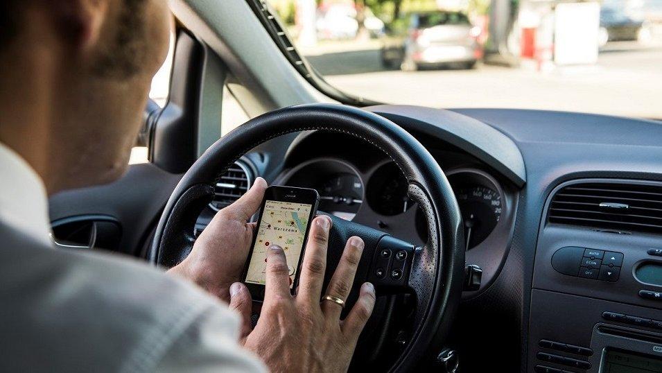 Badanie preferencji konsumenckich na stacjach paliw: Dla kierowców ważniejszy alkohol niż ceny paliw