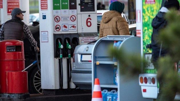 Badanie: Polacy wolą odwiedzać duże i sieciowe stacje paliw. Niezrzeszone mają nawet 2 razy mniejszy ruch