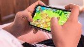 Pandemia zmienia zasady na rynku gier mobilnych. Ruch z komunikacji miejskiej przenosi się do domów