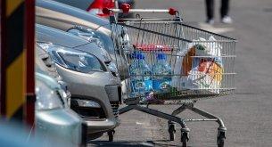 Wielkanoc w tym roku będzie skromna. Polacy chcą mniej wydać na zakupy. I głównie będą szukać promocji