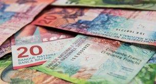 Polacy mocno o frankowiczach: Rząd nie powinien im specjalnie pomagać w czasie kryzysu