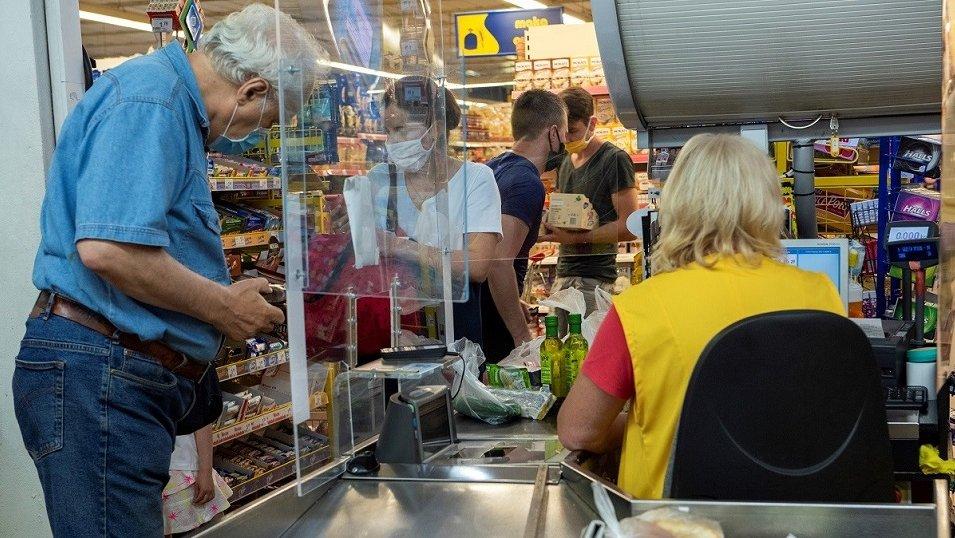 BADANIE: Polacy w czasie pandemii chcą dużo częściej korzystać z kas samoobsługowych