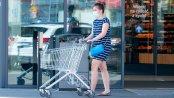 W czasie pandemii Polacy zdecydowanie omijają sobotnie zakupy. Największy ruch jest w piątki