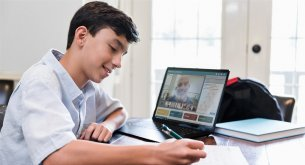 Edukacja w czasach COVID-19: Nauczyciel nie może nagrywać lekcji online, jeżeli nie posiada zgody rodziców