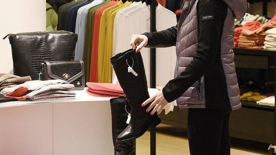 Sondaż: Co piąty Polak przyznaje się do zakupu towarów z podrobionymi znakami znanych marek