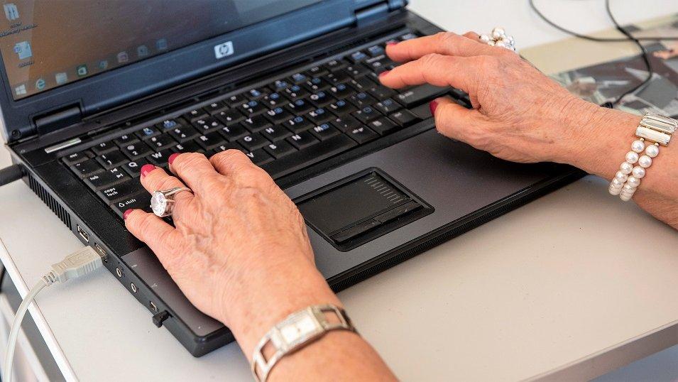 Organizacje pozarządowe powinny lepiej zdobywać kompetencje cyfrowe. Inaczej szybko znikną z rynku